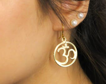 Om gold Earrings