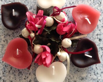 Floating Heart Candles. Sold in set of 4. Perfect for wedding favours or decorations