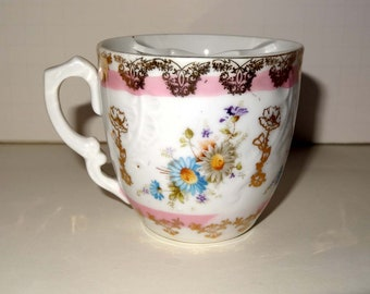 White and Pink Tea Cup with Gold Leaf Tea Bag Holder Home and Garden Kitchen and Dining Tableware Drinkware Coffee and Tea Cups