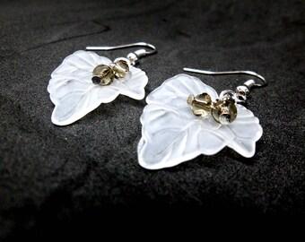 Lucite Leaf Earrings/Stunning Lucite Leaf Earrings/Frosted White/Snow/Winter/Winter Leaves/Bridal Earrings/Wedding Jewellery/handmade