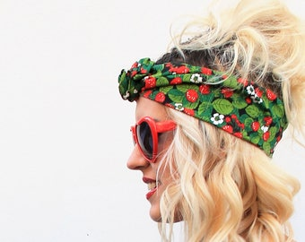 Green and red strawberries printed headband