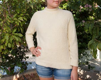 Vintage Fuzzy Off White Pullover Sweater, Size M