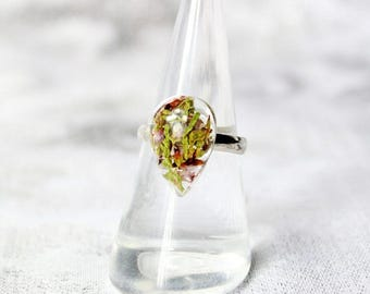 green ring natural jewelry resin ring teardrop ring green purple ring summer jewelry midi ring floral jewelry forest jewelry heather ъ20