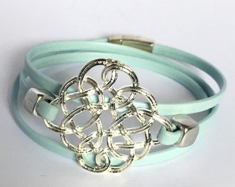 Leather Bracelet with twist of silver plated