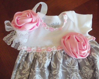 Baby Layette Set, Baby Gown Set, Gray Damask with Pink Flower and Headband, Coming Home, Sleep Sack, Infant Gown, Photo Prop, Baby Shower