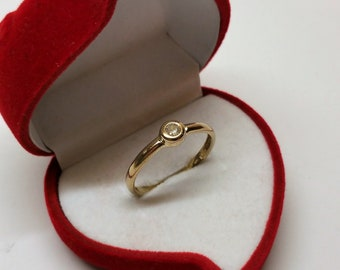 Ring Gold 333 Diamond Vintage Elegant GR437