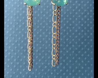 Aquamarine With Dangling Chains