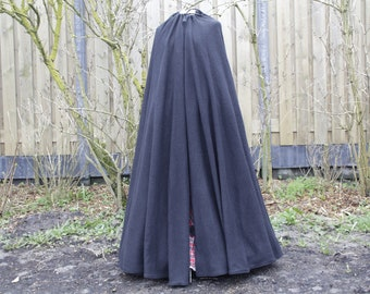 Long woolen Charles Dickens cloak/cape. Also perfect as Medieval Cloak of cloak for elfes!
