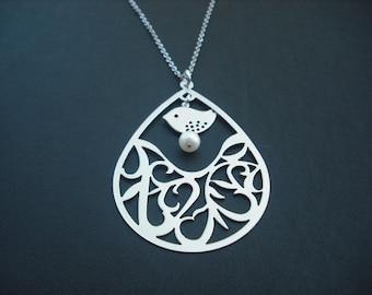 Matte Arabesque Pattern Teardrop necklace - white gold plated
