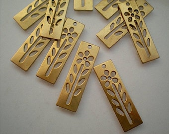 12 narrow rectangle drops with flower stencil