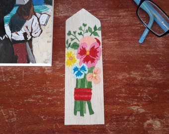"""""""Country bouquet"""" wooden bookmark"""