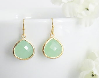 Dangle Green Earrings, Drop Earrings, Earrings for Mothers Day, Earrings for Her, Earrings for Mom, Wedding Earrings, Bridesmaid Earrings