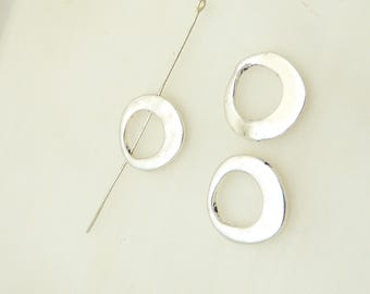 10 pendants, charms, silver metal rings