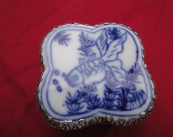 chinese trinket box painted blue and white