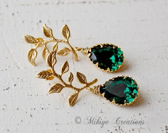 Emerald Bridesmaid Gift, Bridal Chandelier Swarovski Crystal Cubic Zirconia Drop Earrings