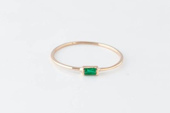 14K Yellow Gold Emerald Baguette Ring