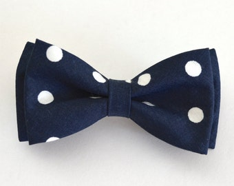 Navy blue boys bow tie,navy blue and white polka dots wedding bow tie,photo prop for boys,ring bearer bow tie