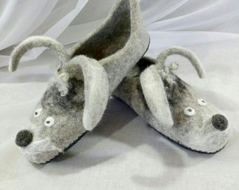 Organic wool slippers Felt Slippers Women house shoes Fancy sheep slippers Eco friendly Natural grey Funny slippers Warm bathroom slippers