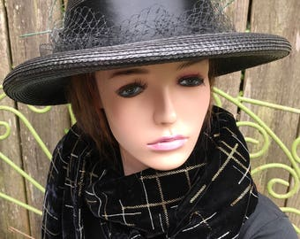 Beautiful 70s Vintage Black Straw Hat