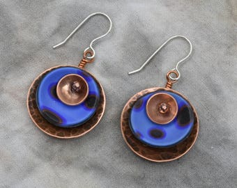 Hammered copper and blue round pierced dangle earrings
