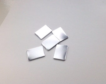 UK made 20x30mm quality Aluminium blanks 20 x 30mm rectangle 1.2mm thick with/without holes.