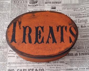 Paper Mache Halloween Trick or Treat Box