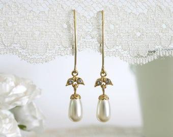 Drop pearl earrings, Dangle pearl earrings, Dangling pearl earrings, Pearl bridesmaid earrings, Pearl earrings tear drop