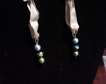 Green  and gray ribbon earrings