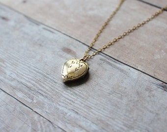 Vintage Heart Locket, Gold Heart Locket, 14k Gold Filled Chain, Baptism Locket,