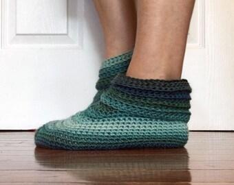 Crochet Pattern-- Women's Sweet Slipper --Crochet Pattern