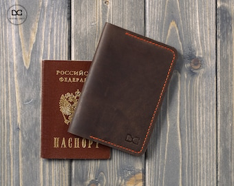 Travel passport holder, travel gift, family travel wallet, leather passport, leather organizer, distressed leather, passport cover
