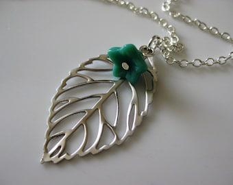 Chloe Leaf Necklace