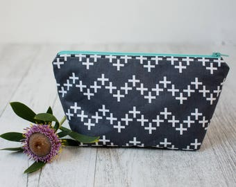 Zipper pouch with waterproof lining - Grey coss pattern // Makeup pouch // Pencil case // Project bag // Small pouch