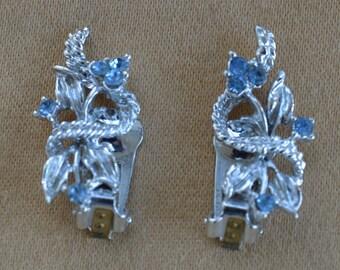 Light Blue Rhinestone Leaf Clip Earrings, Silver tone, Vintage (L3)