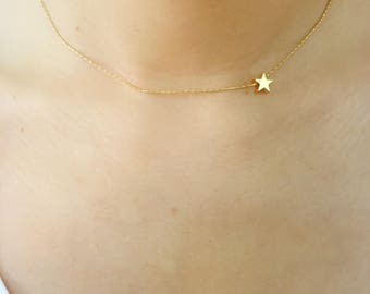 Dainty gold star necklace//Gold plated//Thin chain//Minimalist//Cute//Simple///Shinny