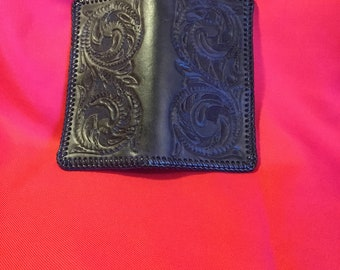 Black checkbook cover with double loop lacing