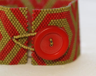 Celtic Spiral in Khaki and Red ... Bracelet . Cuff . Bold . Complementary Colors . Matte . Geometric . Classic . Modern . Stylish