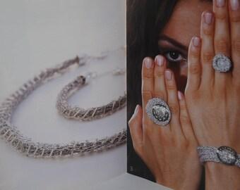 fiche Intermezzo : des bijoux au tricotin