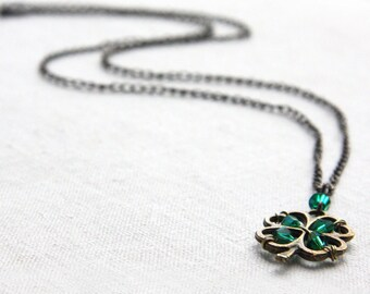 St Patricks Day Gift St Patricks Day Necklace 4 leaf clover Necklace Four Leaf Clover Pendant Irish Shamrock Good Luck Charm Green Crystal