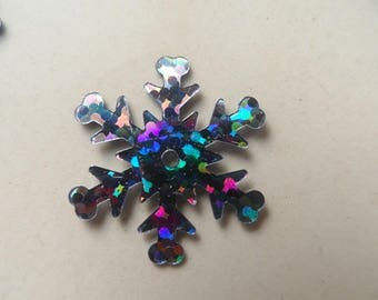 set of 100 snowflake appliques plastic 20 mm