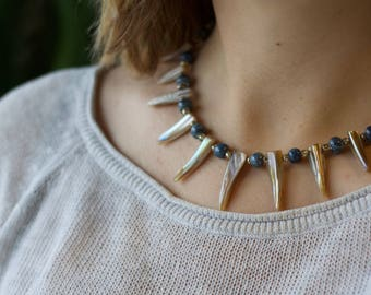 Island Necklace Opalescent Spiky