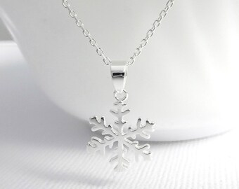 Sterling Silver Snowflake Necklace, Snowflake Necklace, Christmas Necklace, Winter Wedding Necklace, Bridesmaid Necklace, Frozen Necklace