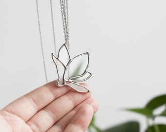 Magnolia   . Flower necklace. Glass statement necklace. Botanical jewelry. Nature lover jewelry. Transparent necklace.