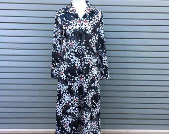 Vintage dress // 60s print // mod // maxi dress with zipper