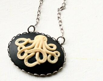 Octopus Cameo Necklace, Octopus Necklace, Steampunk Necklace, Steampunk Octopus