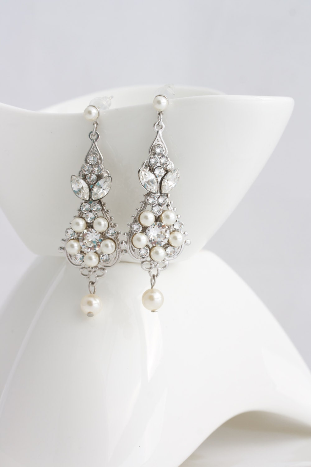 Pearl and crystal wedding earrings vintage bridal earrings zoom arubaitofo Gallery