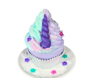 Color Surprise Unicorn Cupcake Bath Bomb with Bubble Frosting