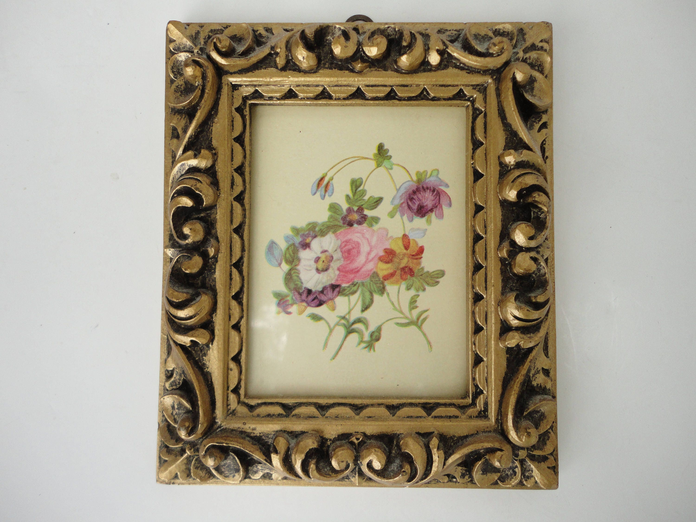 Pequeño vintage Florentino adornado tallado oro marco, hecho en ...