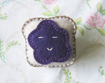 Toast And Jelly Felt Pin
