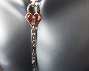 Pick Love - Padlock & LockPick Necklace